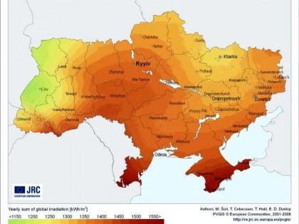 Средний месячный уровень солнечной радиации в городах Украины